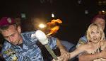 depic.us - Konyol: Demo bugil, Payudara Gadis Cantik Ini Diremas Polisi!