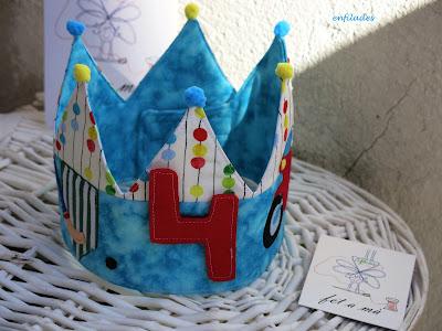 corona d'aniversari personalitzada feta a mà Pol - Enfilades.cat
