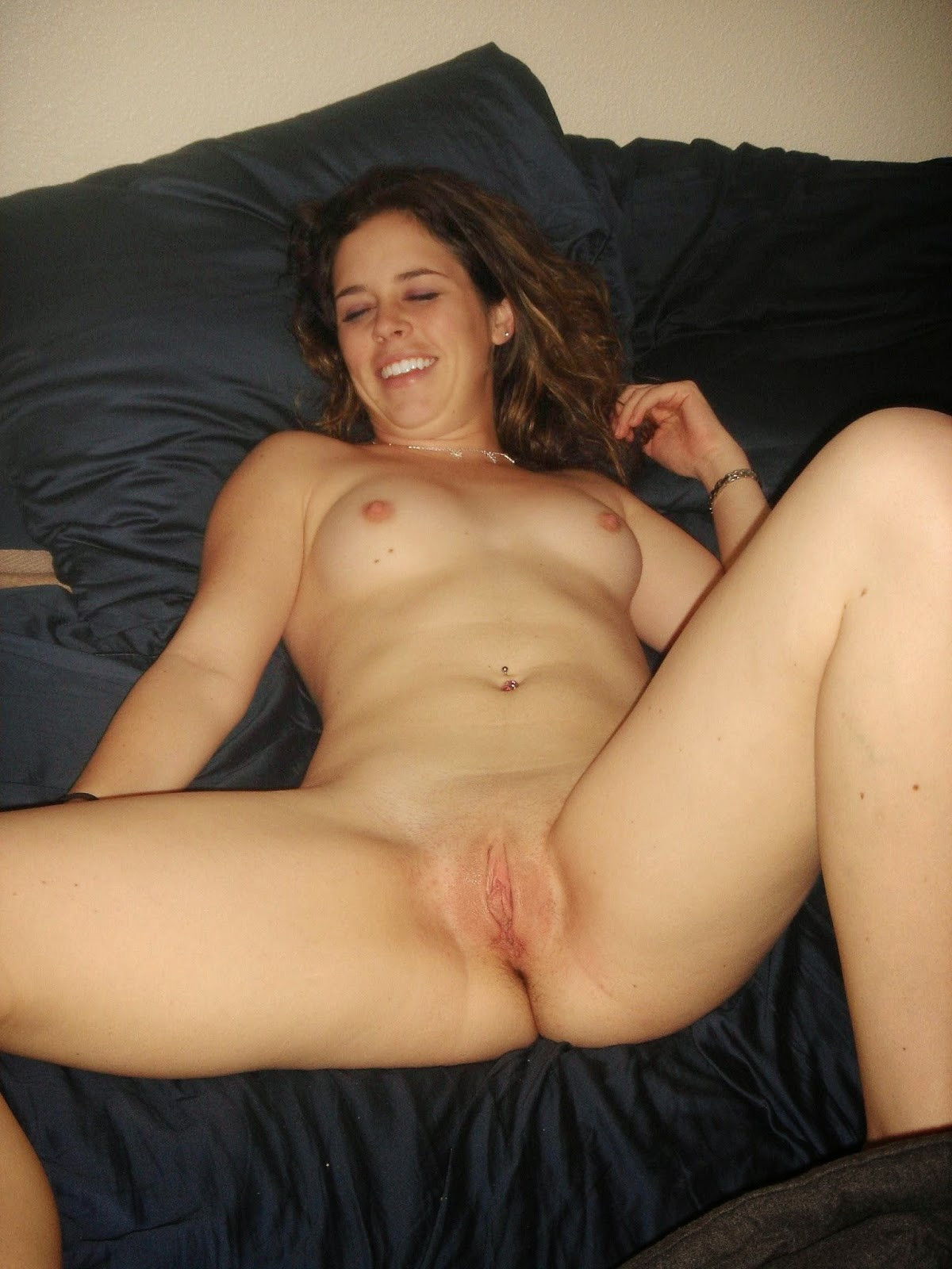 Mylie cyrus side boob shows