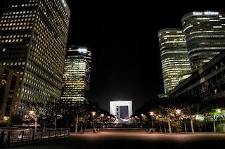 Energie et developpement - éclairage nocturne à la Défense