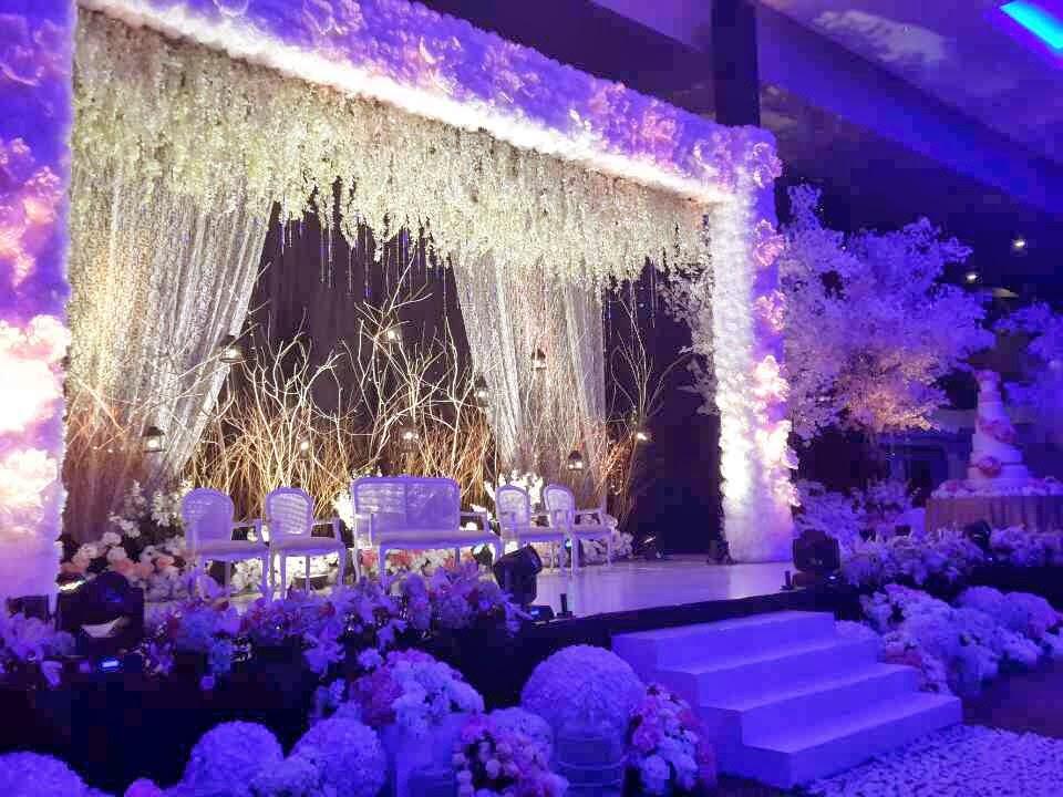 Mc wedding fernando edo the royal wedding in cirebon dancer riana dancer junglespirit Gallery