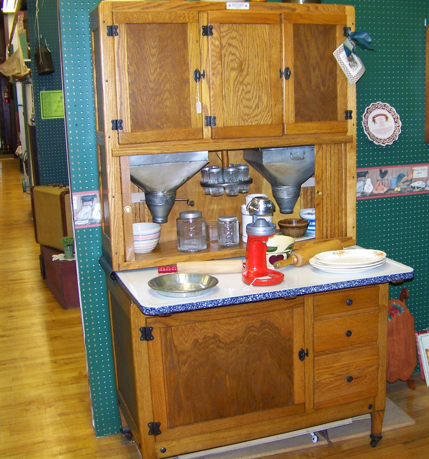 ... Hoosier cabinet. However, the they still remain common on the antique  market, and are still used as supplemental cabinets even today. - Furniture Knowledge: HOOSIER CABINET - CABINET PARTS, CABINET PULLS