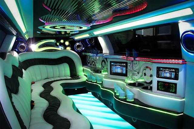 Phantom Limousine mieten. Lambodoors, Flügeltüren. Super Limo Limousinenservice.