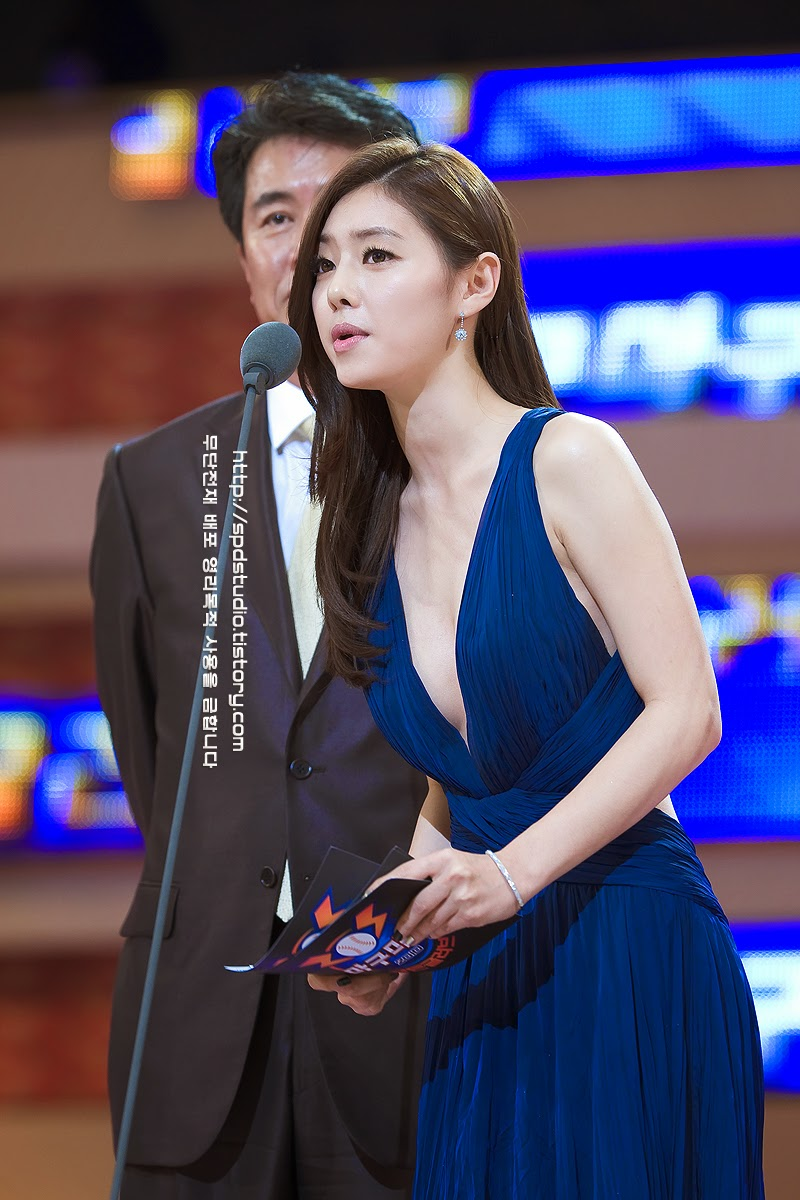 Hong Soo Ah (홍수아) - 2010 Golden Globe Awards