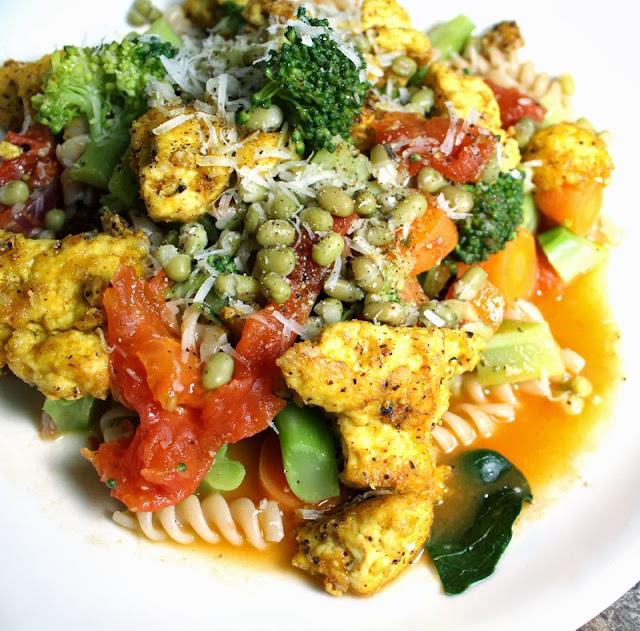 Oppskrift Pasta Stekt Tofu Hjemmelaget Tomatsaus Vegetar Vegan