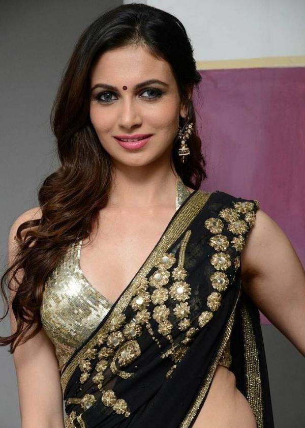 Simran Kaur Hot Saree Belly And Side Show Stills