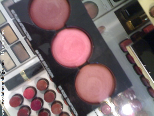 chanel joues contrate blush plum attraction pink explosion rose temptation