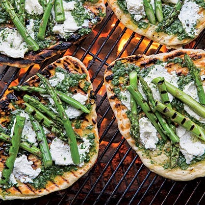 Grilled+Asparagus+and+Ricotta+Pizzettes.tiff