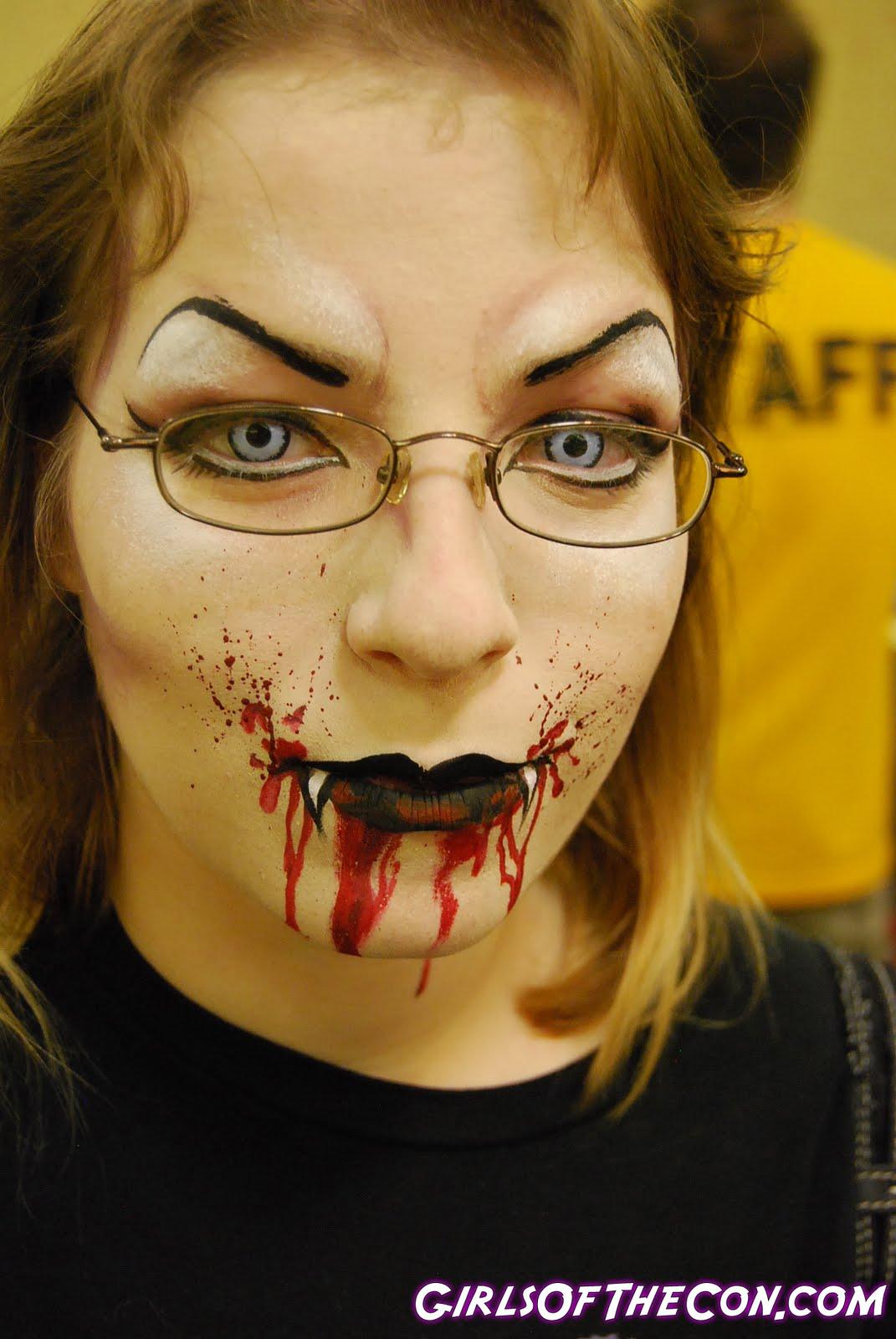 http://2.bp.blogspot.com/-A9XEFOyfTdI/TcEijZ35nfI/AAAAAAAAABQ/JOtDyLc4sbQ/s1600/vampire-makeup-781934.jpg