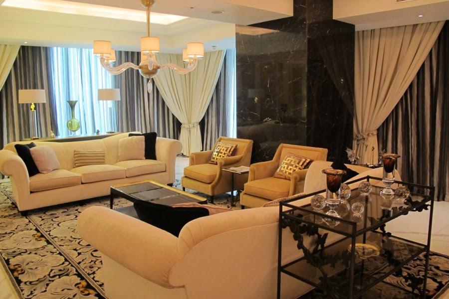 Info kamar hotel paling mahal di the trans luxury for Dekor kamar hotel di bandung