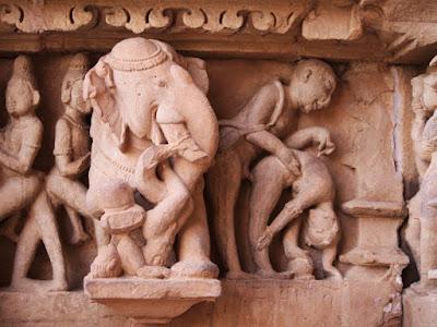 Αρχαίοι ναοί του σεξ στην Ινδία επιβιώνουν σε ένα άκρως πουριτανικό περιβάλλον