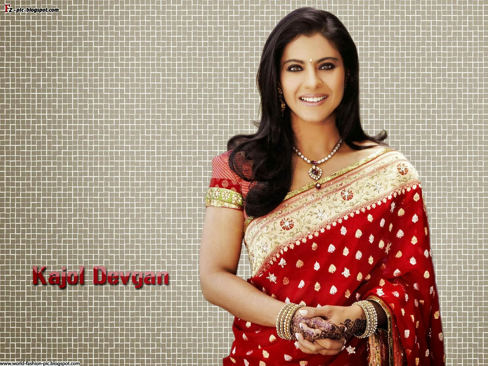 Indian fashion: Bollywood Actress Kajol
