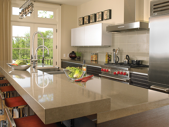 GOLD NOTES SENSIBLE STYLE Vacation Home Kitchens