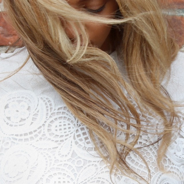 BEYONCE LOOKING ANGELIC IN WHITE DRESS