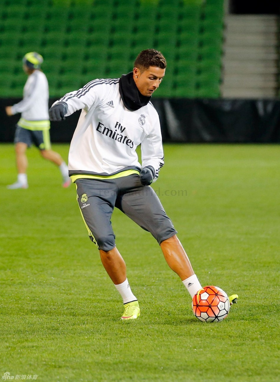 Real Madrid training to prepare for Manchester City