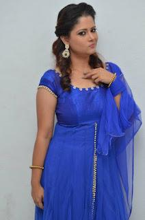 Shilpa Chakravarthy Stills in Blue Dress at Ippatlo Ramudila Seethala Evaruntaarandi Babu Audio Launch  252810