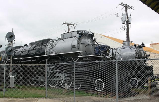Gambar Kereta Api Lokomotif Uap Bigboy 4-8-8-4 4018