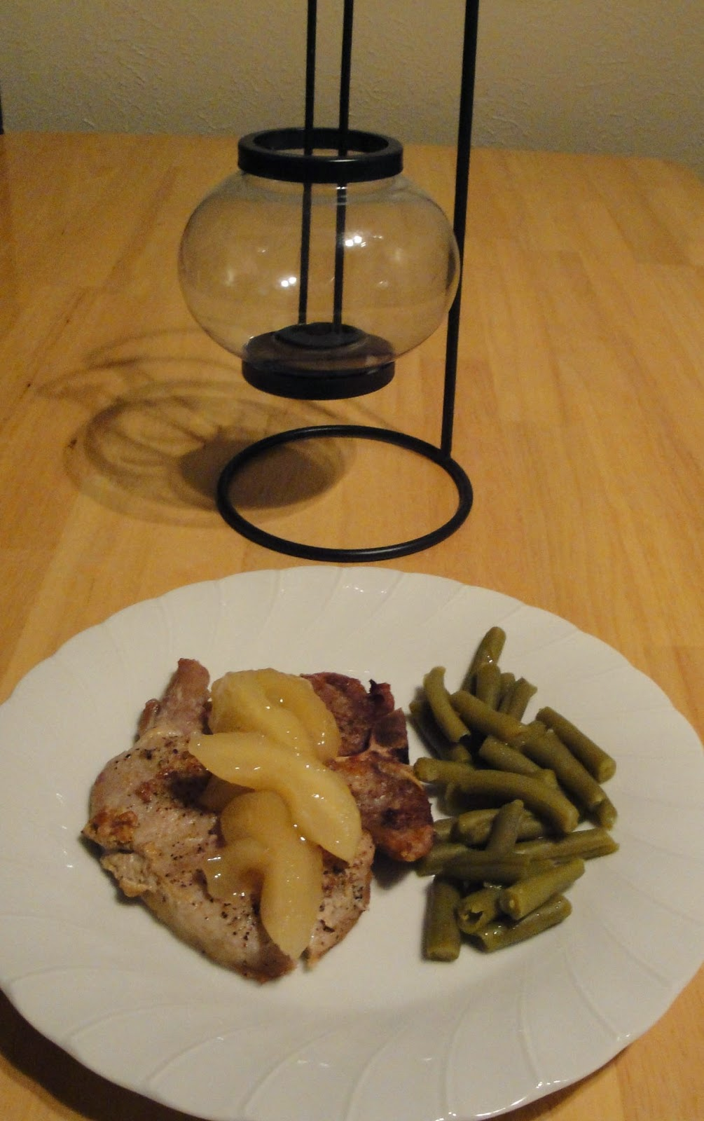 Apple Pork Chops Recipe | dLife