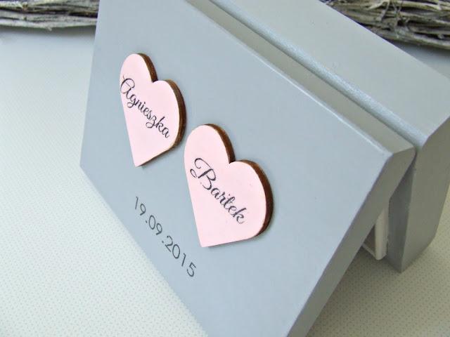 """ślubne pudełko na obrączki w romantycznym wydaniu """"Romantic Cold"""" by Eco Manufaktura"""