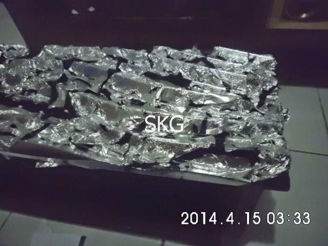 penempelan silver leaf untuk membuat motif