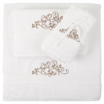 toalla con bordado en hilo de plata