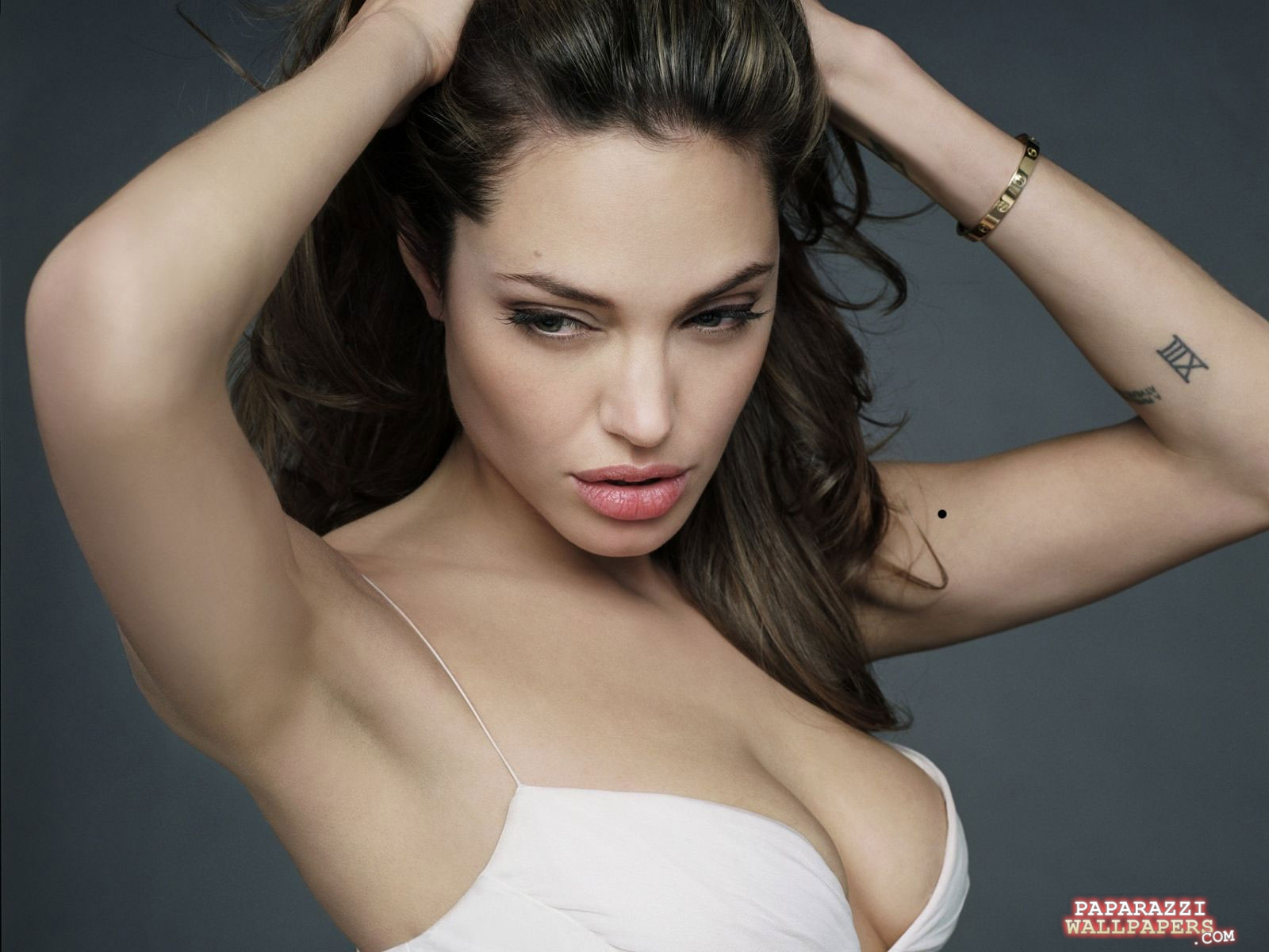 http://2.bp.blogspot.com/-ABqVcseVPHA/T8KFo8MxF8I/AAAAAAAAAEw/2dwA5F52Rdc/s1600/Angelina+Jolie11.jpg