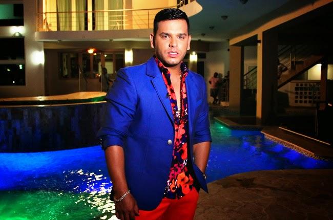 Tito 'El Bambino' El Patrón impacta los listados de Billboard con 'A Que No Te Atreves'
