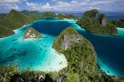 9 Pulau Nusantara yang Kecil tapi Indah