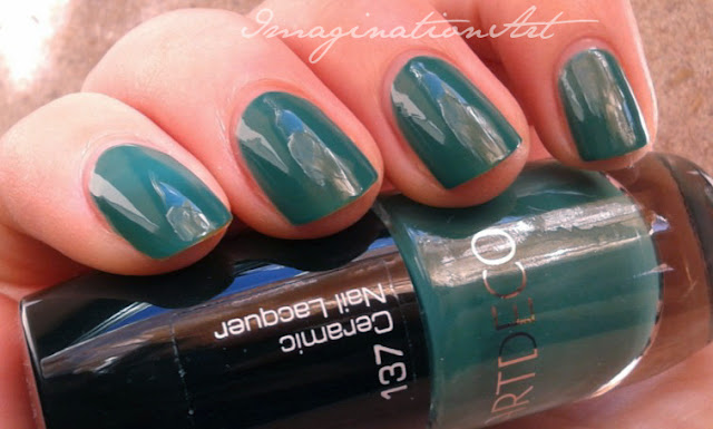 artdeco artdecò 137 inimitable khaki verde green swatches smalto unghie nail lacquer polish