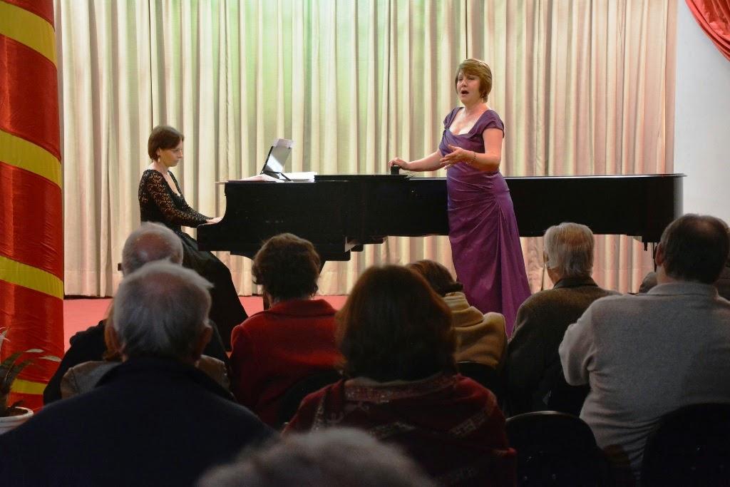 As artistas Angela Diel e Eliara Puggina abrilhantaram a noite com canções de compositores como Manuel de Falla, Carlos Guastavino, Waldemar Henrique