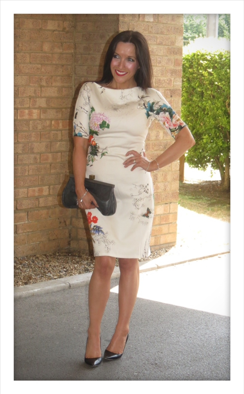 Zara floral dress white i am having a deep and meaningful love affair with high street store zara at the floral print dress mightylinksfo