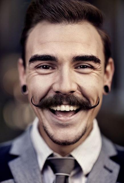 moustache+retro