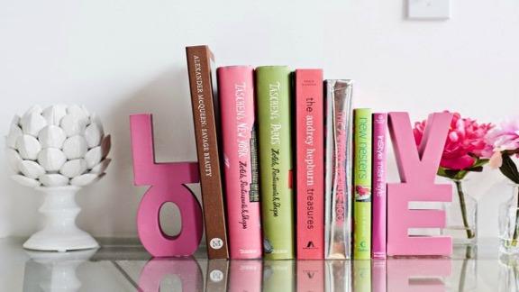 Adesivo De Bailarina Para Quarto ~ Por Dentro em Rosa Decorando com aparadores de livros