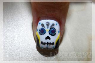 Gelish Dia De Los Muertos Skull Nail