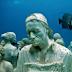 Fantastické sochy pod vodou /video/