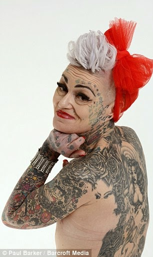 Des personnes g es avec beaucoup de tatouages la blogueuse for Tattoos for older adults