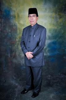 sarjana muda di nadwatul ulama lucknow india pada tahun 1980