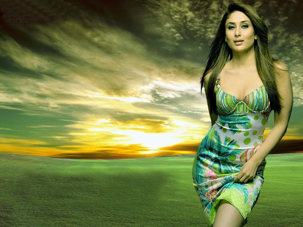 http://2.bp.blogspot.com/-AD-bjJTuc1g/TZDXzCfayJI/AAAAAAAAAJ4/4mm3FS6f-gs/s1600/reang77.blogspot.comThe-best-top-desktop-kareena-kapoor-wallpapers-hd-kareena-kapoor-wallpaper-12.jpg
