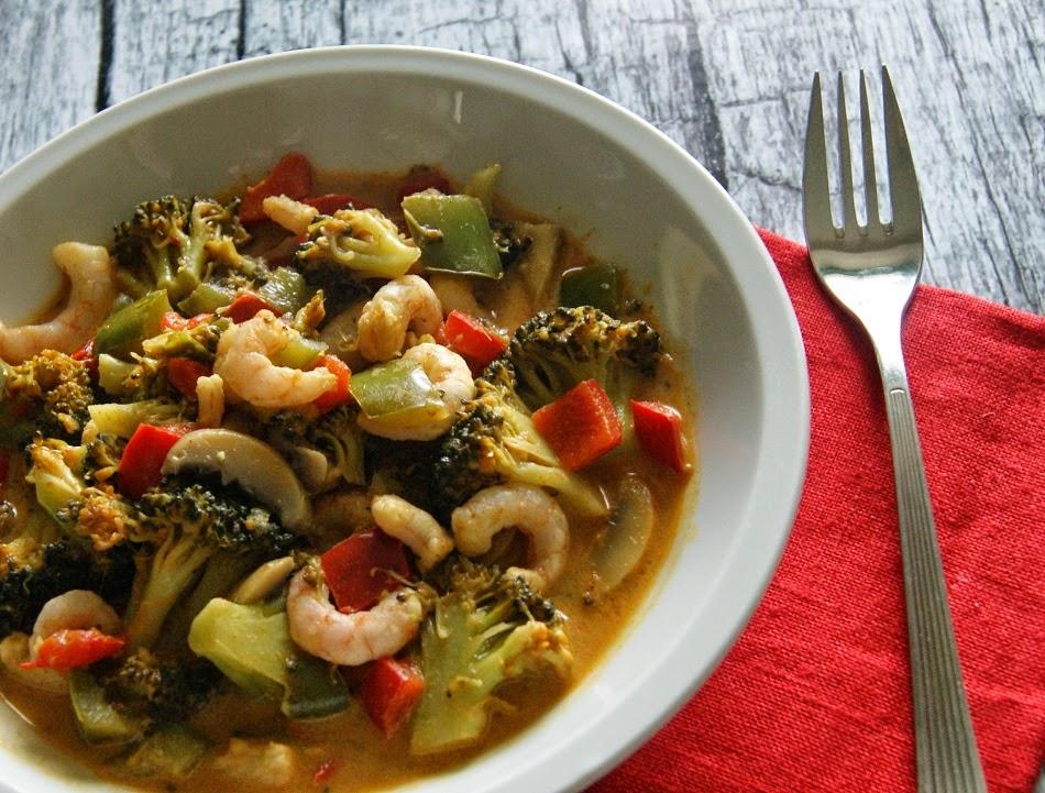Curry z brokulem i krewetkami