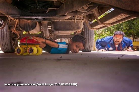 Dalam 29 Detik Anak Berusia 6 Tahun Ini Melewati 39 Kolong Mobil (gambar 2)