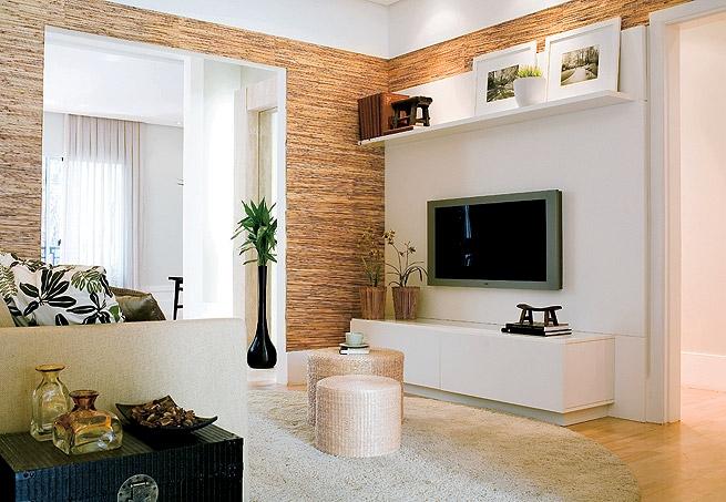 Ver Salas De Tv Decoradas ~ Um charme de painel, sobre uma parede revestida de