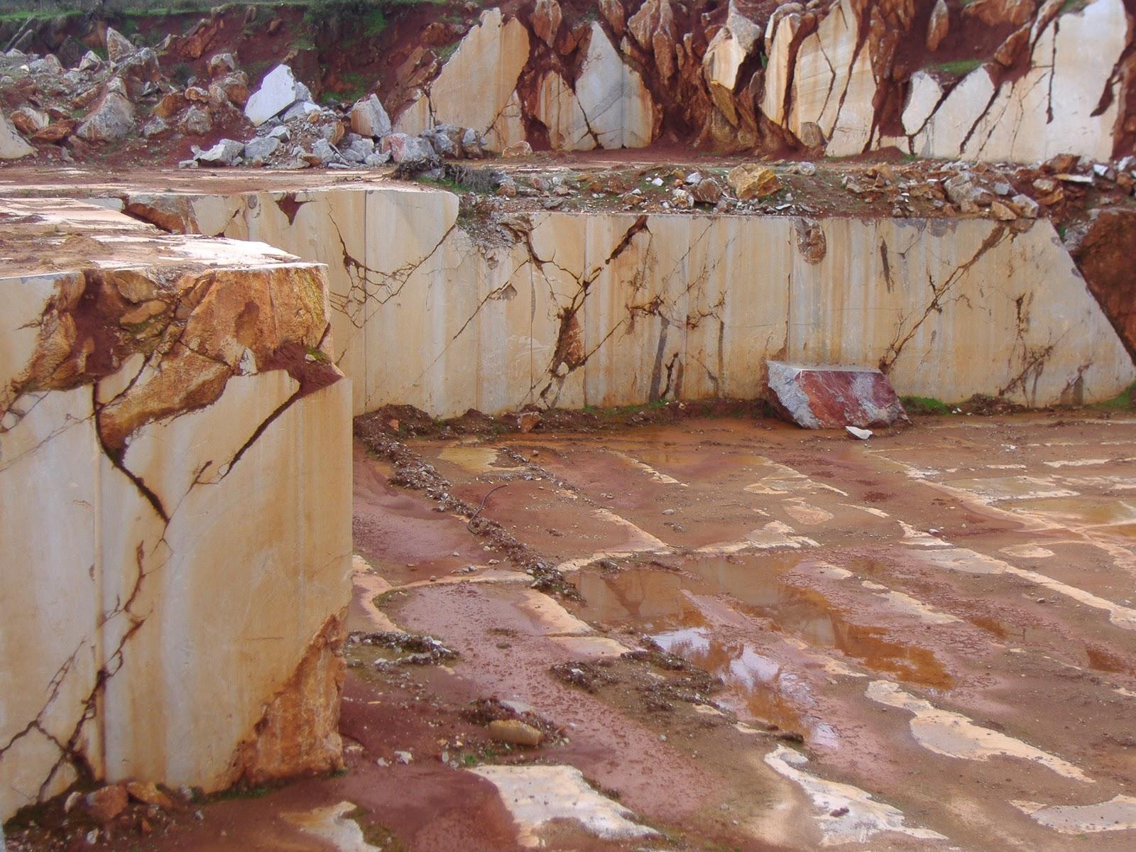 Geolog as de extremadura cantera de m rmol de alconera for Con que se limpia el marmol