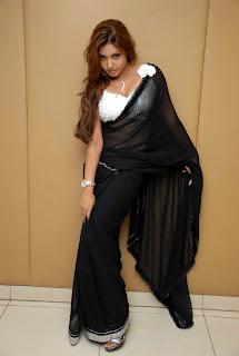 Komal Jha Promote Kannada Movie Nimbe Huli pictures gallery 687x1024 729757.jpg