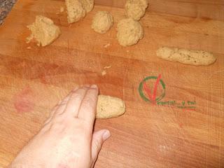 Formar las salchichas.