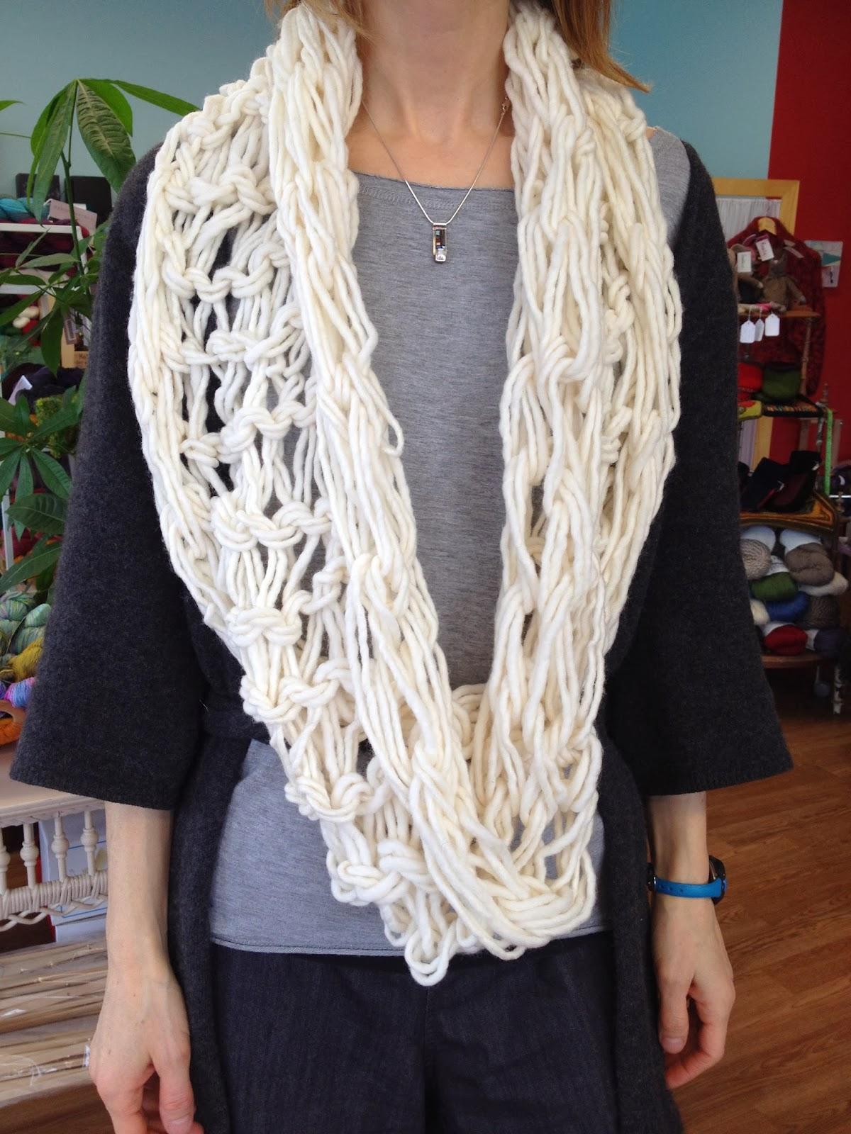 La julie factrie atelier boutique laine tricot nicolet col g ant tricoter a - Tricoter sans aiguilles ...