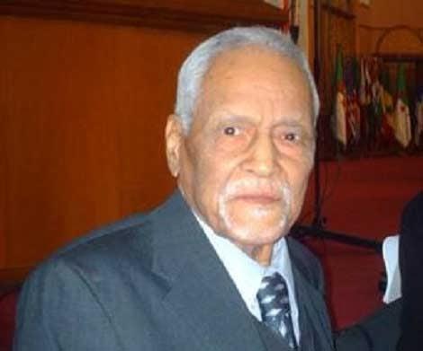 المؤرخ الجزائري أبو القاسم سعد الله في ذمة الله