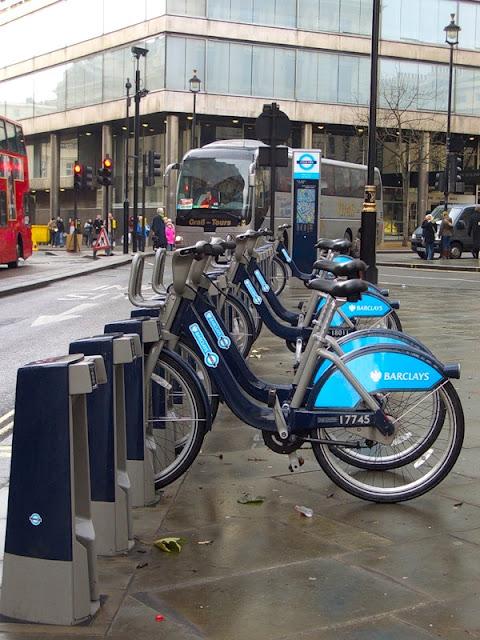 стоянка велосипедов в Лондоне