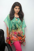 Sravya Latest photos Gallery-thumbnail-5