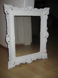 Lille speil på veggen der...