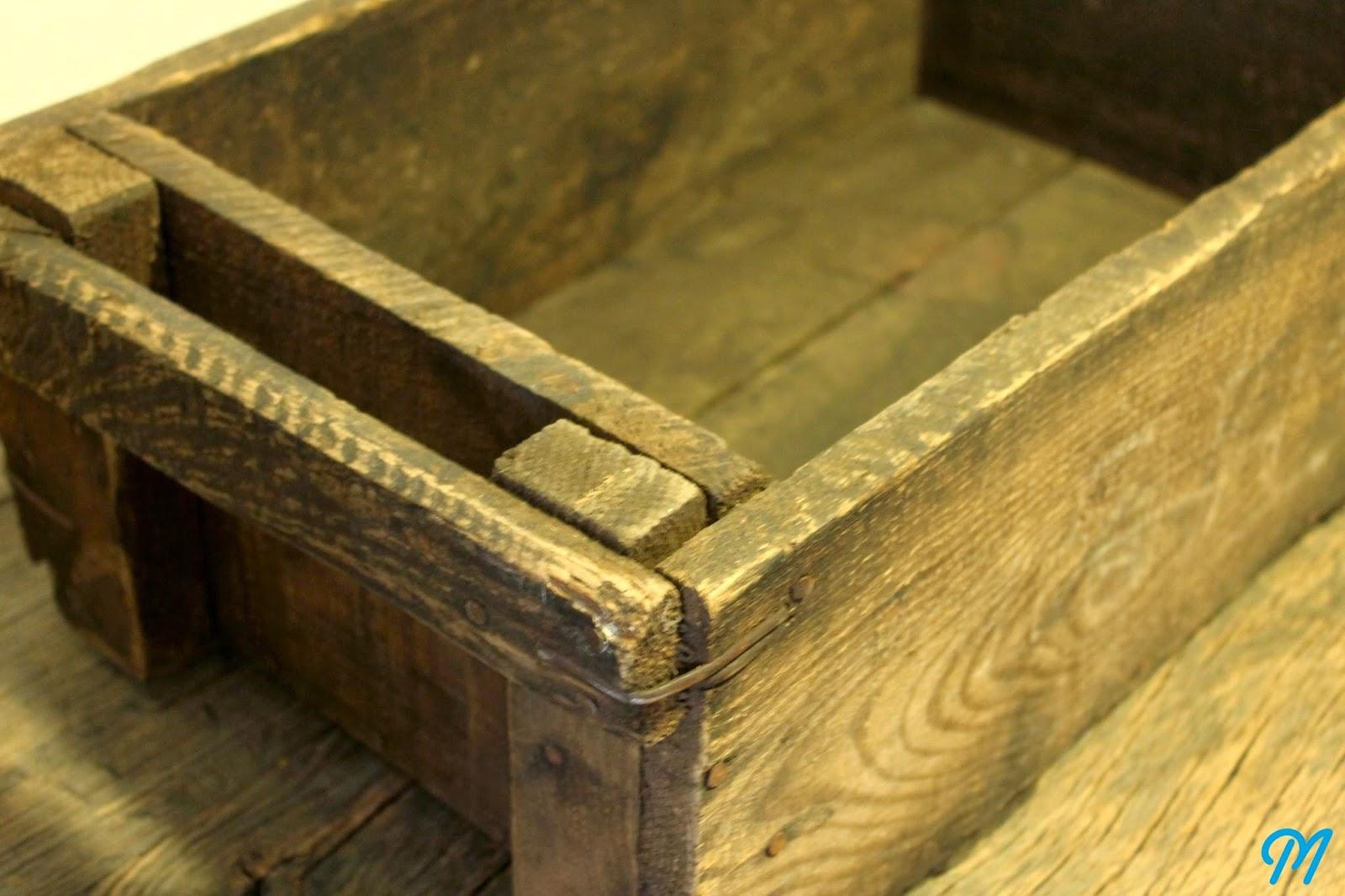 Arrivage de caisses anciennes d 39 atelier publicitaires marinette vintage blog - Petite caisse en bois ...